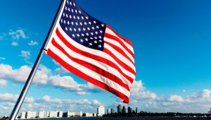 Rundreise New York Florida Flagge am Boot in Miami Beach in Florida