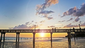 Florida Rundreise Sonnenuntergang am Strand des Fort Myers Beach Pier