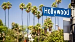 Ein typisch amerikanisches Hollywood Straßenschild in Los Angeles