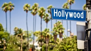 Busrundreise USA Westen Hollywood Boulevard Sign mit Palmen im Hintergrund