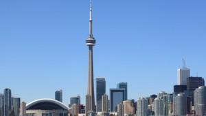 USA Rundreise Ostküste Skyline von Toronto in Kanada direkt am Lake Ontario