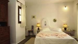 Inselhopping Griechenland Doppelzimmer mit Doppelbett im Hotel Svoronos Paros