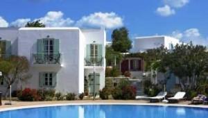Inselhopping Griechenland große Poolanlage und Bungalow Hotel Lianos Village Naxos