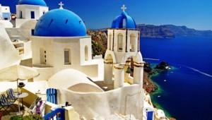 Inselhopping Griechenland Typische blau weiße Häuser auf Santorini