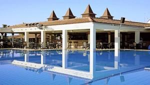 ALDIANA Side Restaurant direkt am Pool und unter freiem Himmel