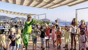 CLUB CALIMERA Delfin Playa Lustige Kinderanimation auf der großen Terrasse
