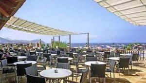 CLUB CALIMERA Delfin Playa Restaurant Terrasse mit direktem Ausblick auf das Meer