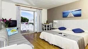 CLUB CALIMERA Es Talaial Doppelzimmer mit Balkon und direktem Meerblick