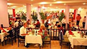 CLUB CALIMERA Kaya Side Restaurant mit vielen leckeren Speisen und Getränken