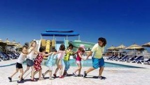 CLUB CALIMERA Yati Beach Lustige Kinderanimation mit Betreuung am Pool