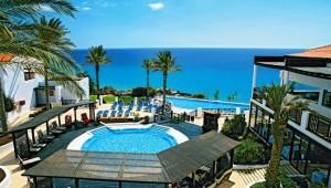CLUB MAGIC LIFE Fuerteventura Imperial Überblick über den Pool mit Meerblick