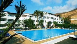 CLUB MAGIC LIFE Fuerteventura Imperial Schöne Poolanlage von Palmen umgeben