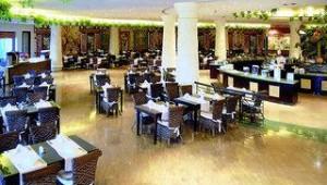 FUN CLUB Caribbean World Soma Bay Restaurant mit vielen leckeren Speisen