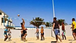 FUN CLUB HD Beach Resort Spielen Sie am Strand eine Runde Beachvolleyball