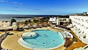 FUN CLUB HD Beach Resort Großzügiger Pool mit tollem Ausblick auf das Meer