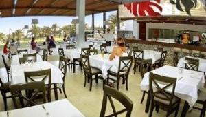 FUN CLUB HD Beach Resort Restaurant mit vielen leckeren Speisen und Getränken