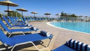 FUN CLUB Kipriotis Panorama Aqualand Pool und Liegen sind am Pool kostenlos