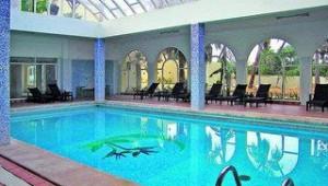 FUN CLUB Paradis Palace großes beheizbares Hallenbad zum austoben