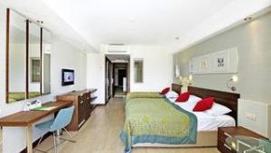 FUN CLUB Seher Sun Palace Resort & Spa Familienzimmer mit Doppelbett und Balkon