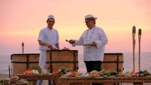 GRECOTEL Creta Palace Open Air Küche mit tollem Blick auf das Meer und den Sonnenuntergang