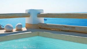 GRECOTEL Mykonos Blu Privater Pool direkt neben dem Bungalow mit Meerblick