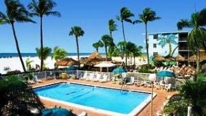 Florida Rundreise The Outrigger Beach Resort Großer Pool mit Ausblick auf das Meer