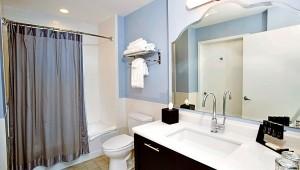 Rundreise Florida Melia Orlando Suite Hotel Badezimmer mit Badewanne