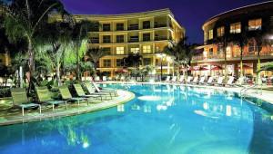 Rundreise Florida Melia Orlando Suite Hotel Pool bei Nacht