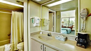Rundreise Florida The Outrigger Beach Resort Badezimmer mit Badewanne
