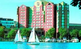 USA Ostküste Reise Royal Sonesta Hotel in Boston mit Blick auf den See