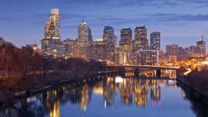 USA Ostküste Reise Blick auf die nächtliche Skyline und den Delaware River