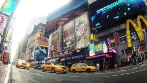 USA Ostküste Reise Blick auf den Times Square sowie die vielen Taxis