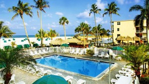 Rundreise New York Florida Outrigger Beach Resort mit Blick auf den Pool