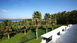 Inselhüpfen Griechenland - Hotel Cavo D'oro Palmengarten