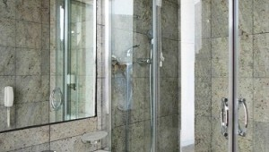Inselhüpfen Griechenland Hotel Patmos Paradise Badezimmer