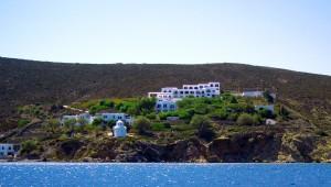 Inselhüpfen Griechenland Hotel Patmos Paradise Blick auf das Hotel