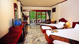 Thailand Rundreise Ein Blick in Ihr geräumiges Zimmer auf Koh Samui mit Balkon