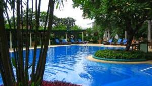 Thailand Rundreise Die größzügige Poollandschaft in Chaing Mai auf Ihrer Thailand Rundreise