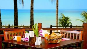 Thailand Rundreise Genießen Sie Ihr reichhaltiges Frühstück im Kamala Beach Resort