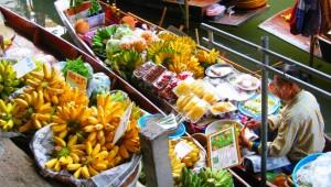 Thailand Rundreise Ein Highlight Ihrer Thailand Rundreise, die Floating Markets vor Bangkok