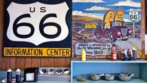 West USA Rundreise Tafel in einem Imbiss-Stand direkt an der Route 66