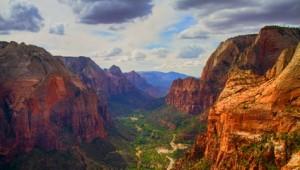 West USA Rundreise Blick von Angels Landing über den Zion National Park