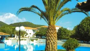Inselhüpfen Sporaden - Hotel Appartments Alkistis Pool und Palme