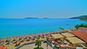 Inselhüpfen Sporaden - Hotel Esperides Beach Strand und Bar