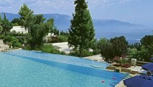GRECOTEL Daphnila Bay Pool und Ausblick