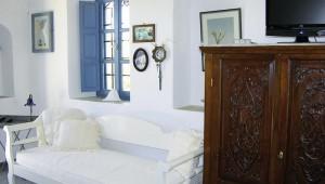 Inselhopping Griechenland Reise Aegagros Caldera Houses Zimmer