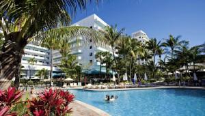 Rundreise New York Florida RIU Plaza Miami Beach Pool