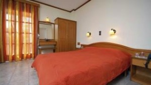 Inselhopping Griechenland - Hotel Spiros Doppelzimmer