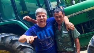 Costa Rica Reiseimpressionen - Traktorfahrer