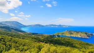 Griechenland Inselhüpfen Reise - Küste nahe Assos